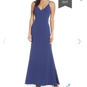 Lulu's blue v-neck trumpet gown formal dress